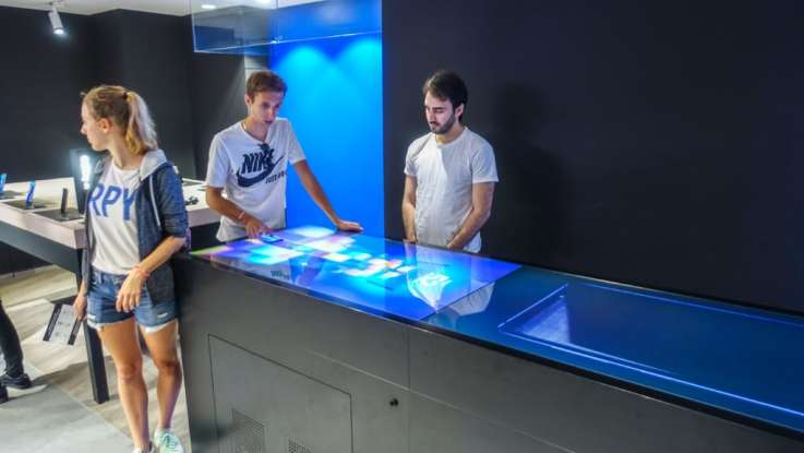 Interactive retail tech Paris