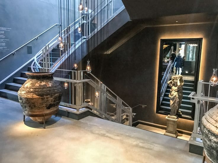 Customer Connection - Restoration Hardware