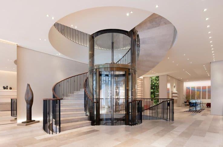 Casa Loewe - Physical Retail