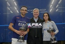 Mark Walter (centre) with PSA Windy City Open winners Mohamed ElShorbagy (left) and Nour El Tayeb (right) - InsideSport