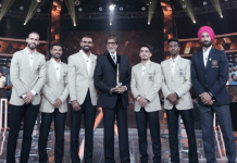 Indian hockey team on the sets of Kaun Banega Crorepati (KBC) with Amitabh Bachchan