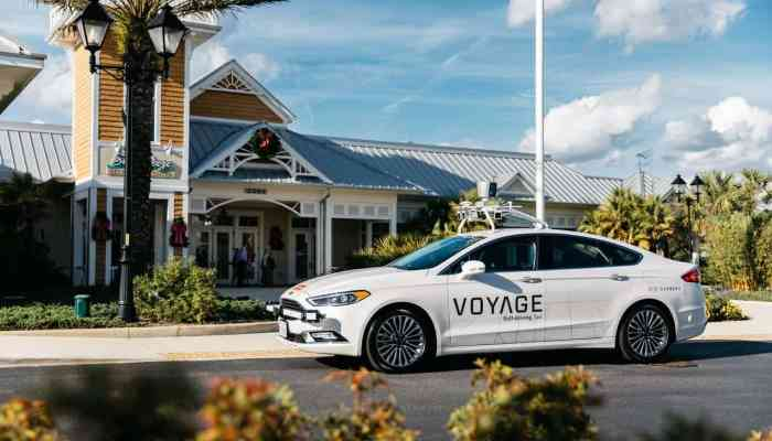 Self-Driving Taxis Coming to The Villages