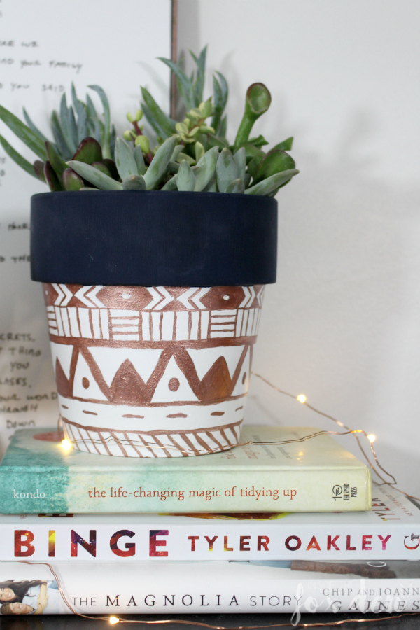 This tribal print planter is the perfect inspiration for helping me get through Snowpocalypse 2017. I can't believe how easy the DIY is!