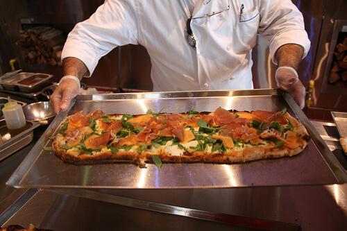 Prosciutto e Melone pizza