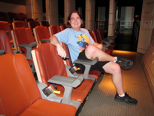 Ricky gets comfy in a private Starspeeder 3000 after the final flight