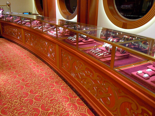 JewelryWhite Caps - Disney Dream shopping