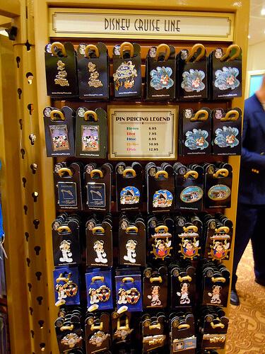 Pins - Disney Dream shopping