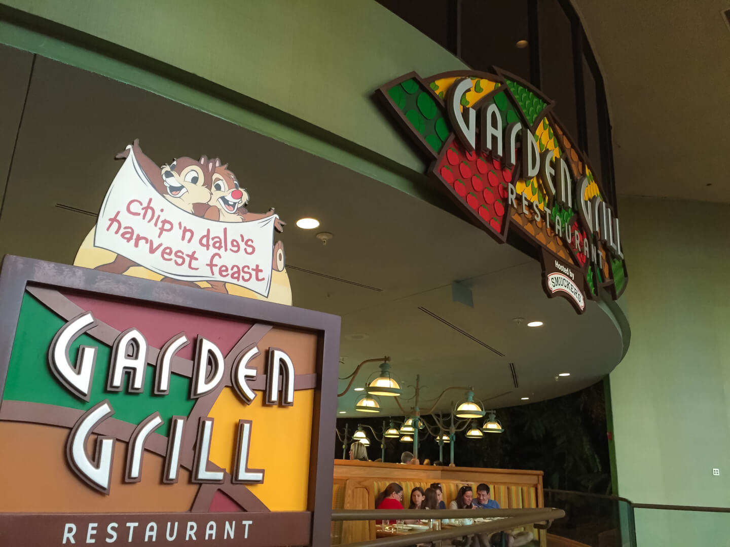 PHOTOS: Breakfast lands in Epcot at Garden Grill Restaurant | Inside ...
