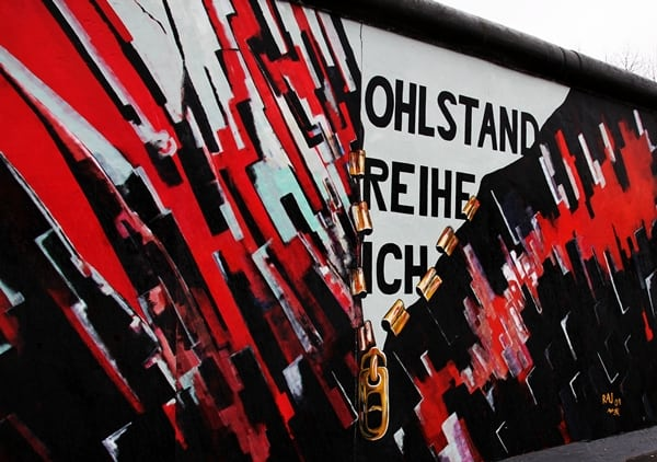 berlin wall east side gallery pic