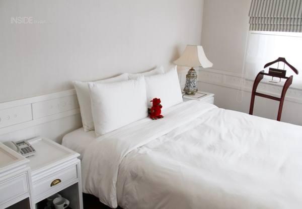 Room 217 Bed Au Co Halong Bay Luxury Cruise