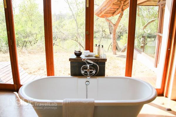 Makanyane Safari Lodge bathtub