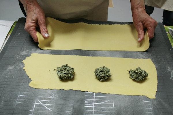 Cooking in Tuscany - making fresh pasta via @insidetravellab