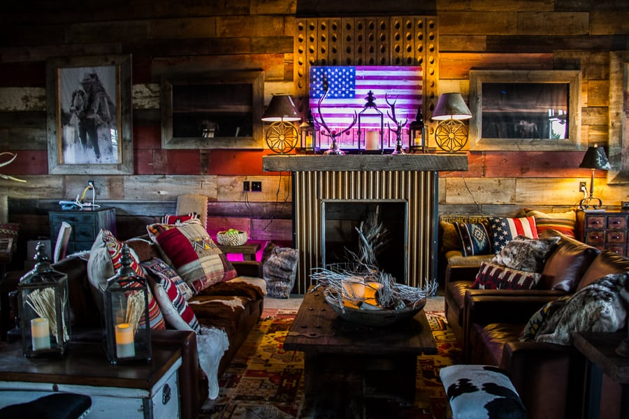 Mustang monument saloon bar via @insidetravellab