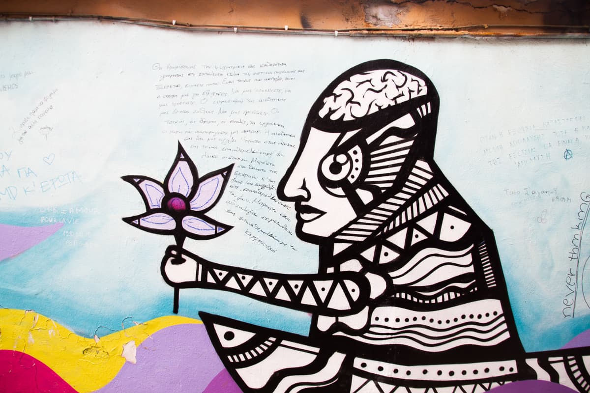 Things to do in Athens-visit street art via @insidetravellab