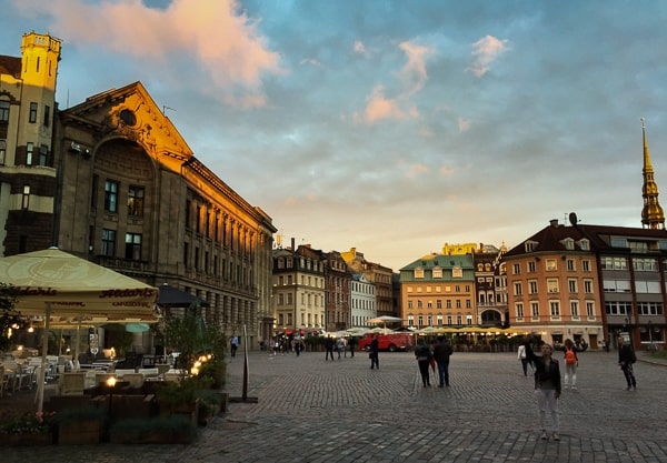 Things to do in Riga- see Riga at sunset via @insidetravellab