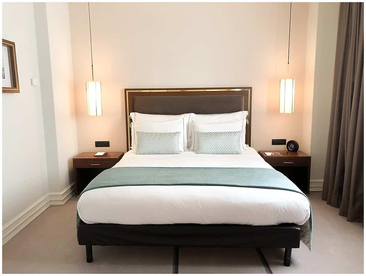 Hotel Tivoli Hotel Room Bed