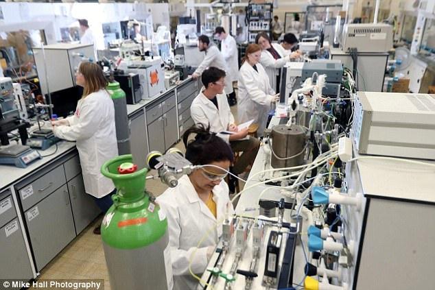 scientist make clean fuel