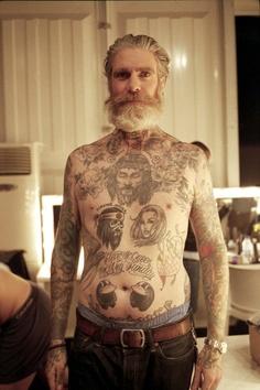 idosos-tatuados-15