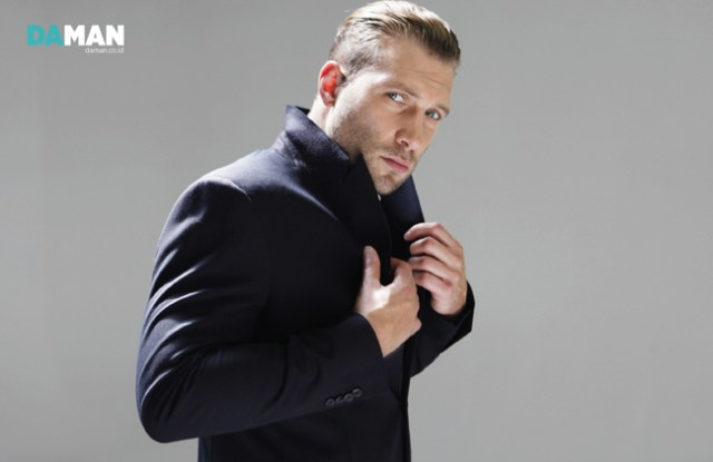 Jai Courtney - 12