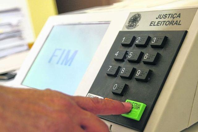 Urna eleitoral - Neide Carlos