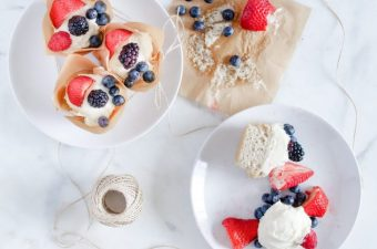 Keto Vanilla Cupcakes & Cream Cheese Frosting