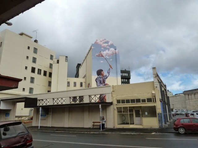 Mural-by-Fintan-Magee-in-New-Zealand_2-640x479-1