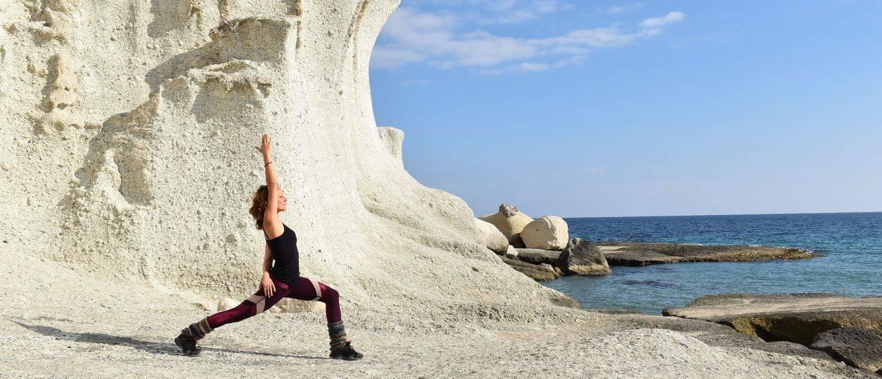 yoga en ibiza con laura