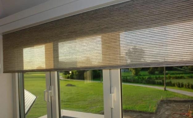 Rolety jako vysoce dekorativní a zároveň praktické stínění interiéru