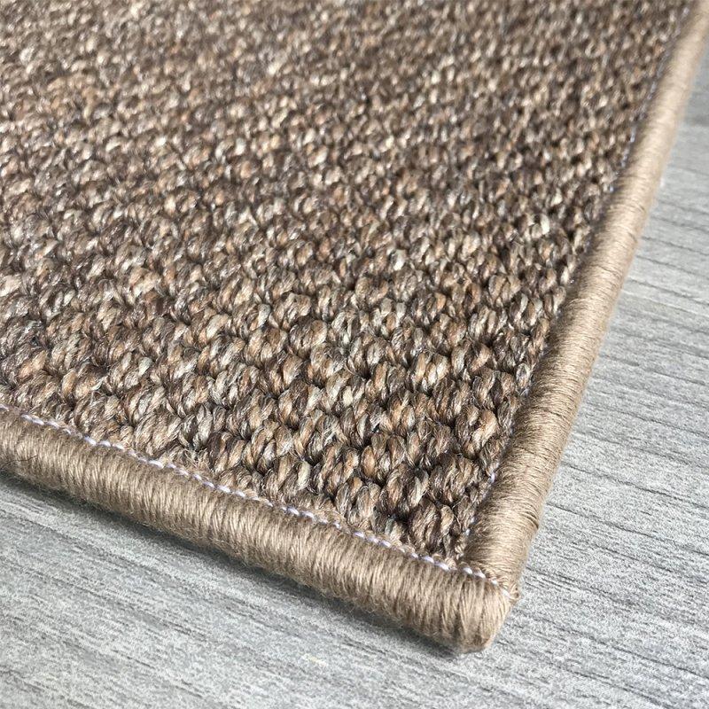 tapis d exterieur sur mesure beige en polypropylene finition surjet