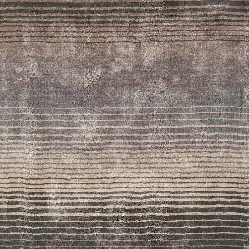 tapis contemporain taupe et gris raye en viscose fait main