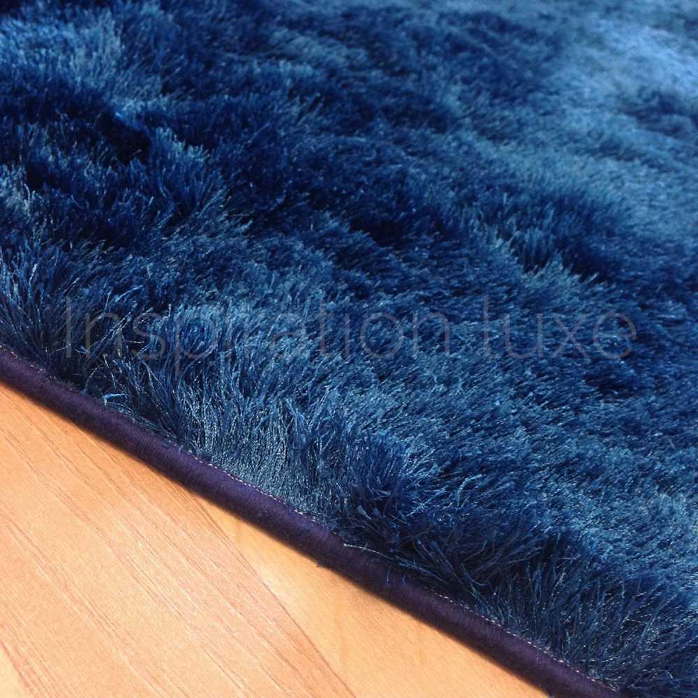 tapis bleu shaggy par inspiration luxe editions