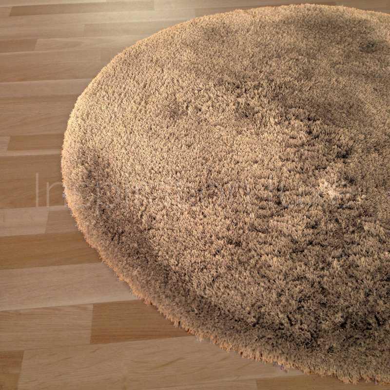 tapis rond sur mesure marron a longues meches moelleux
