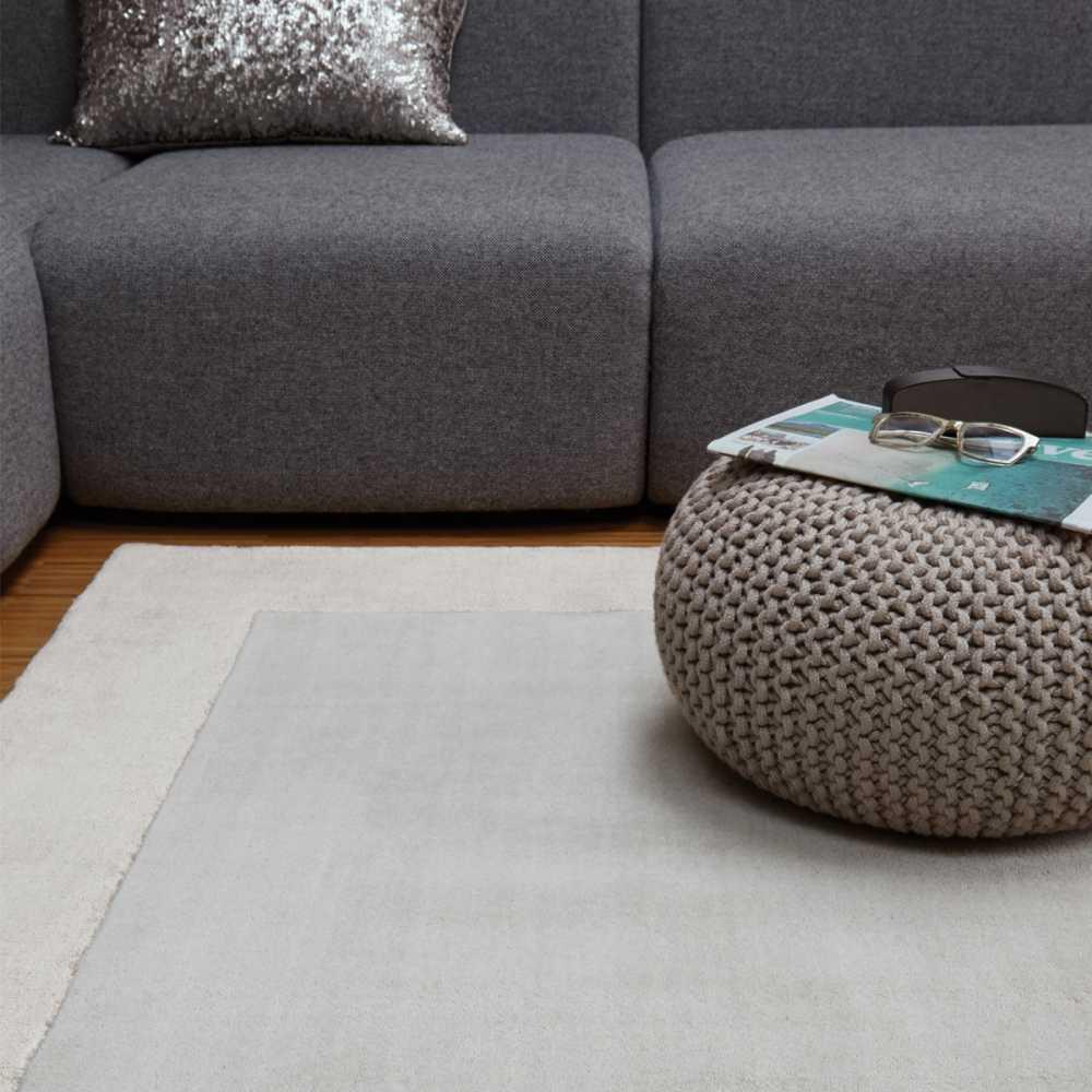 tapis de salon moderne gris en laine et viscose