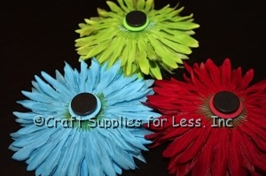 Daisy Flowers with Ceramic Magnets attached