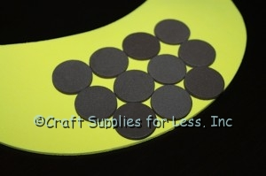 attach brown circles to visor