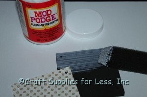 apply mod podge to 6mm foam square