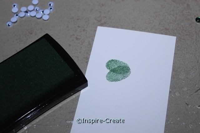 How to make shamrock shapes with fingerprints