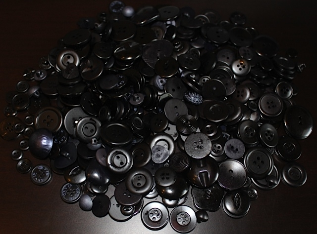 Black Craft Buttons (1/2 lb)*