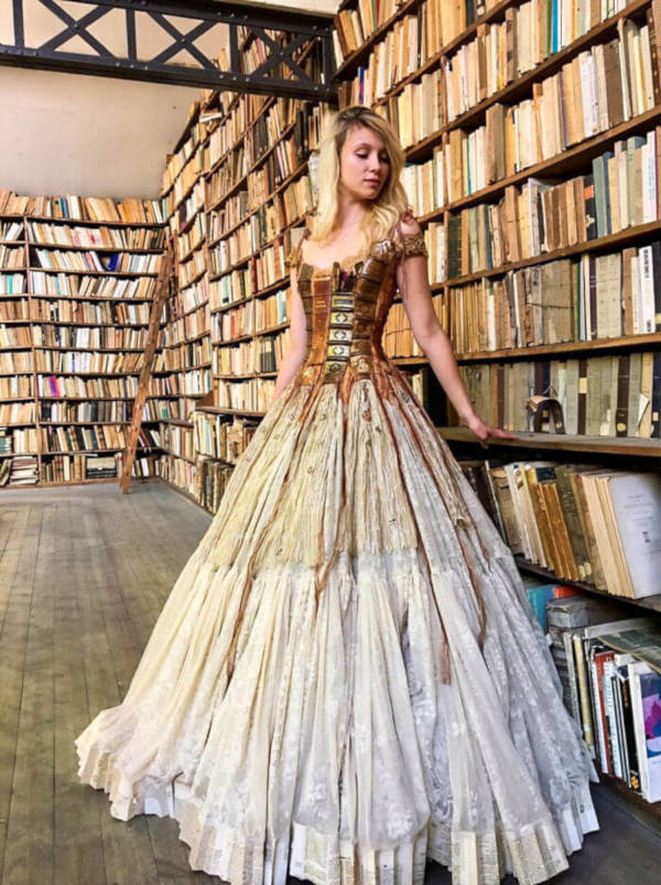French Designer Creates Unique Dresses From The Spines of Books - 1