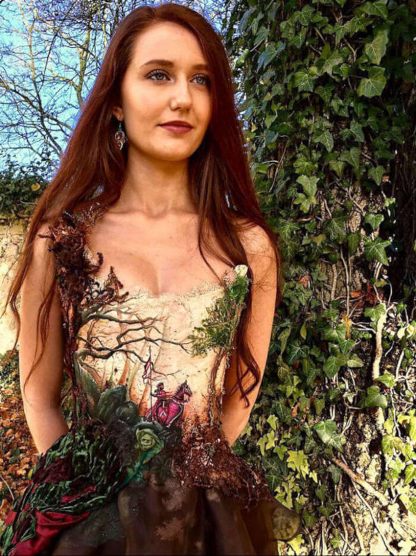 French Designer Creates Unique Dresses From The Spines of Books - 13