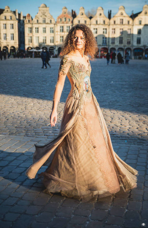 French Designer Creates Unique Dresses From The Spines of Books - 7