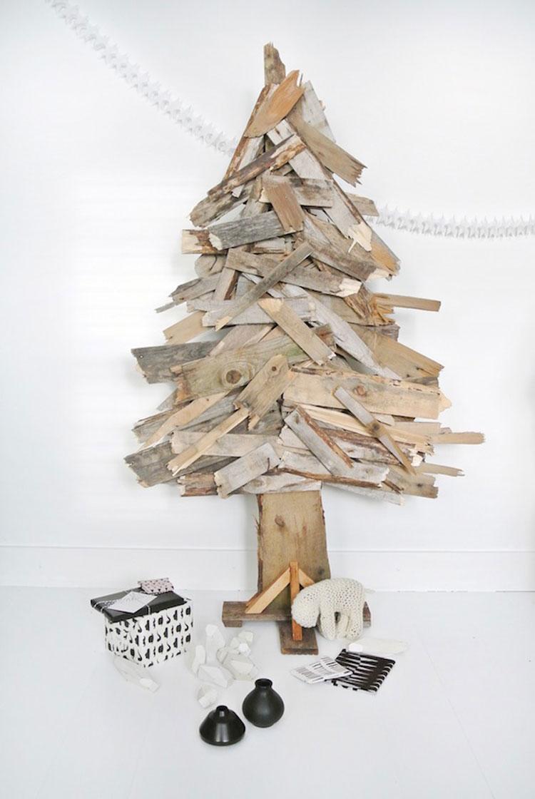 decorare casa per Natale con il legno