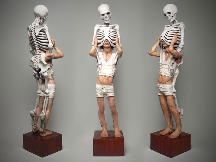 the wooden sculptures by Yoshitoshi Kanemaki