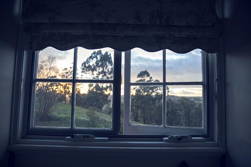 Moyola Manor Bridgetown inspiring-wit-volvo-blogger-drive Western Australia travel window at dawn