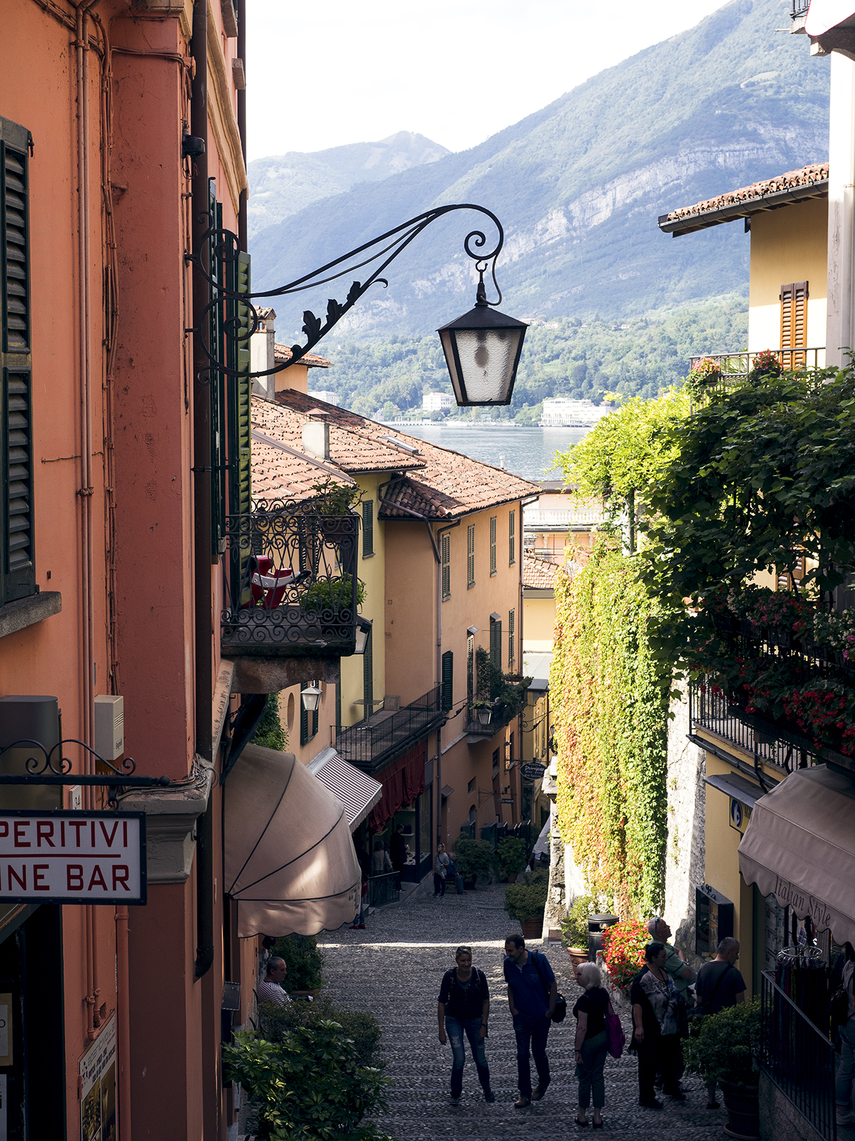 Bellagio in Italy is one of the prettiest spots in the world! Inspiring Wit travel blogger Jenelle discovers the town