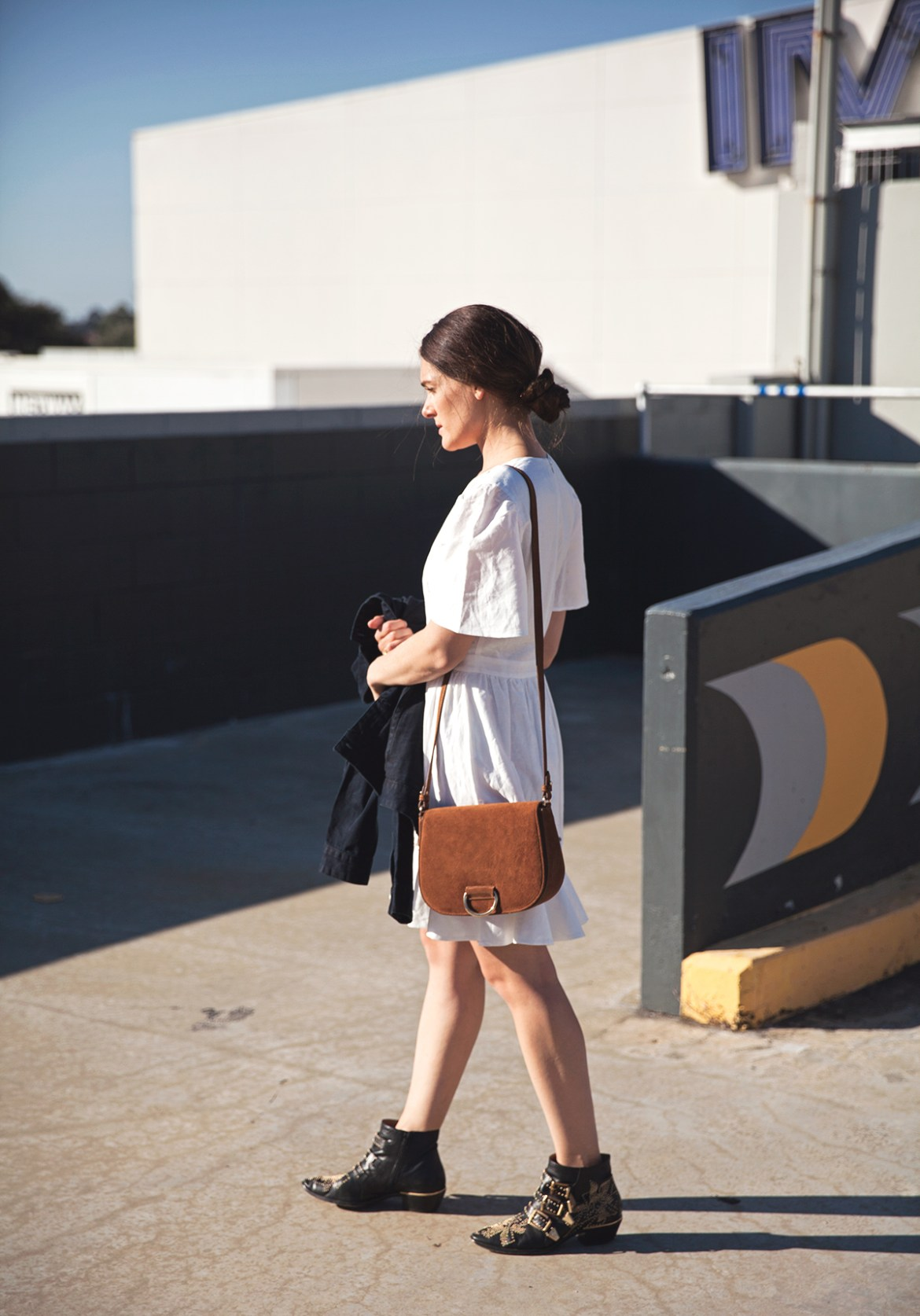 The white summer dress how to style, Inspiring Wit, Australian fashion blogger Isla dress, Little Liffner suede bag