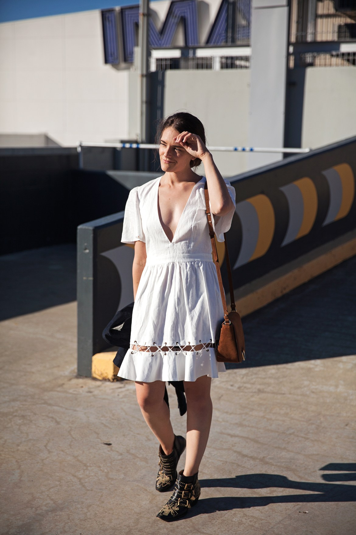 The white summer dress how to style, Inspiring Wit, Australian fashion blogger in Isla Positano dress