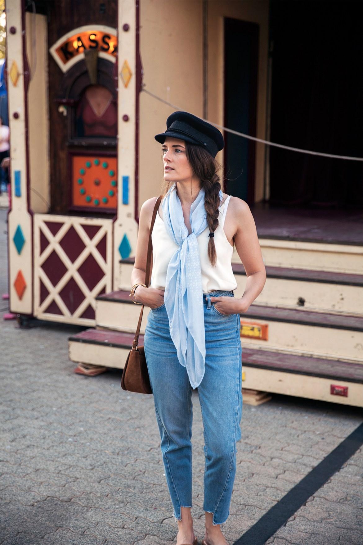 Inspiring Wit, Perth blogger exploring Northbridge for the Fringe World festival 2017. Street style fashion.