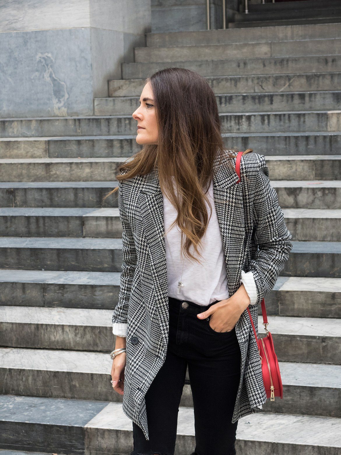 INSPIRING WIT STREET STYLE blogger in H&M check double breasted blazer, fashion menswear inspired