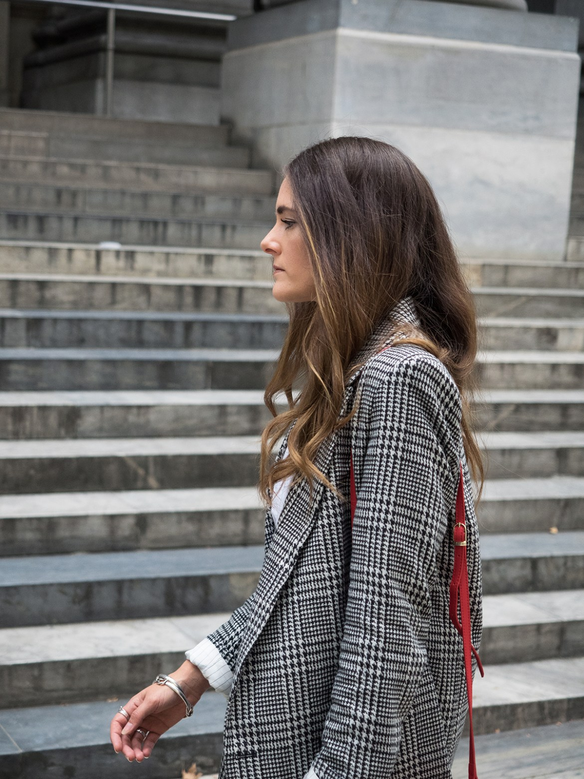 INSPIRING WIT STREET STYLE blogger in H&M check double breasted blazer, long hair